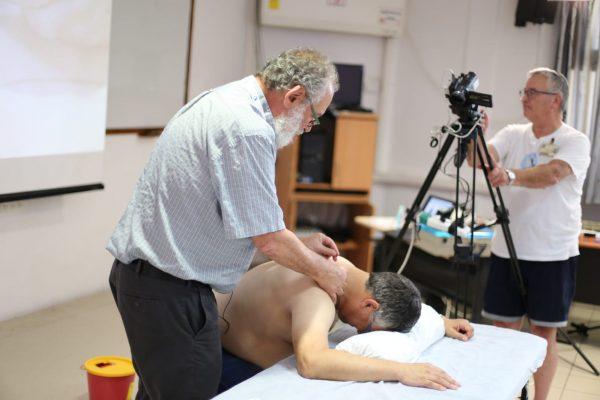 """דר' סיימון וולפסון מנהל מכון לרפואת כאב- רמב""""ם"""