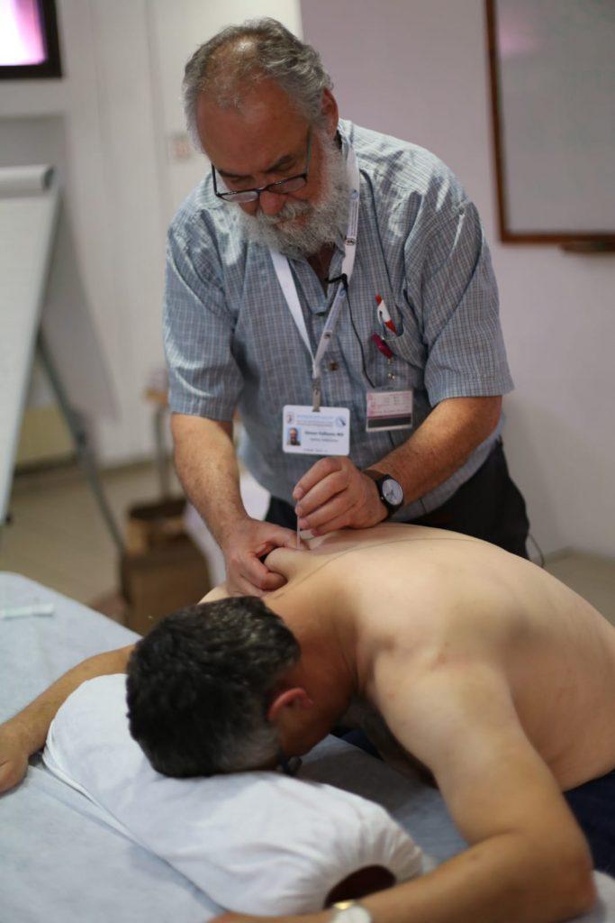"""דר' סיימון וולפסון- מנהל המכון לרפואת כאב, רמב""""ם. מתוך קורס דיקור-אורתופדים, יוני 2018"""